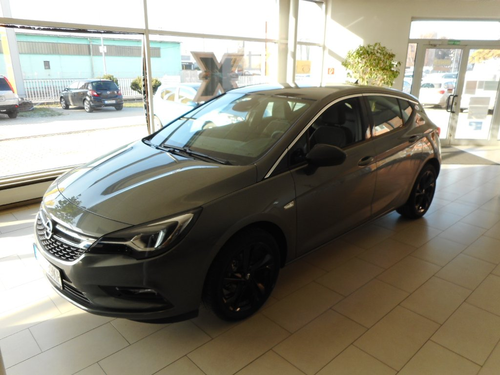 Opel Astra Innovation 5dv 1.4T - TN92WFQZ