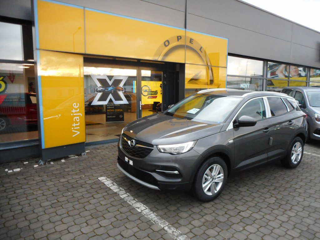Opel Grandland X Innovation 1.2 AT8 - TN68WNCT