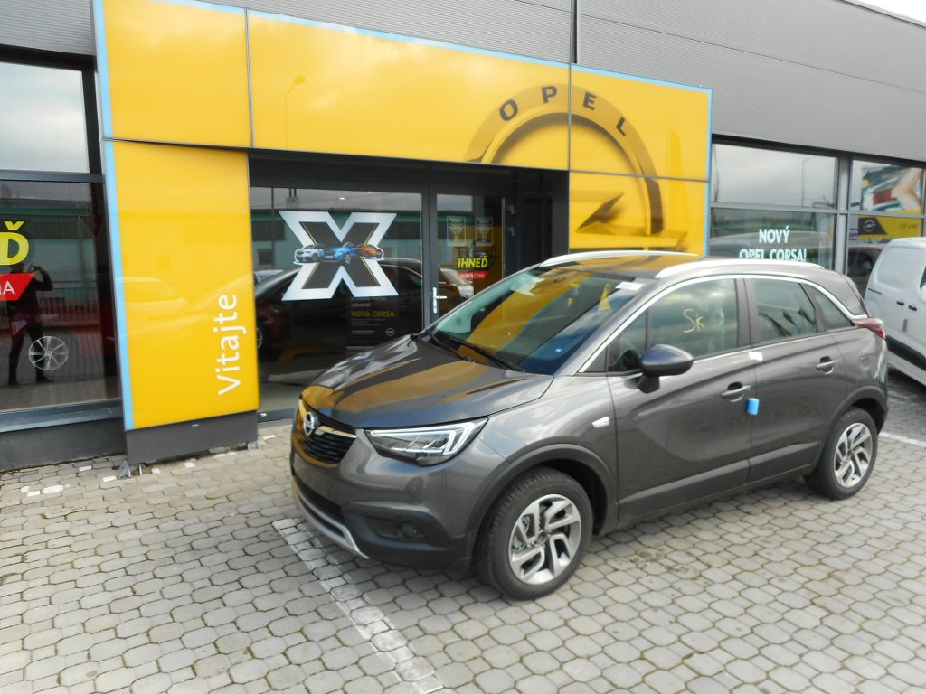 Opel Crossland X Innovation 1.2 MT6 - TN95WNA7